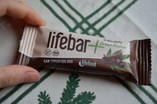 my favorite raw vegan Lifefood chocolate protein energy bar